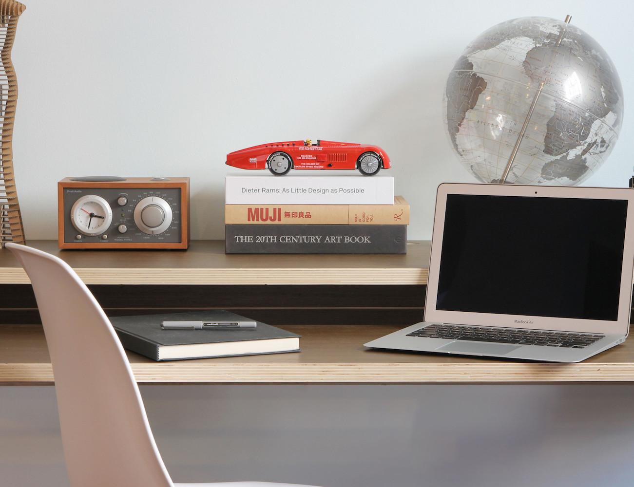 Minimal Float Wall Desk Rift Oak Hostgarcia