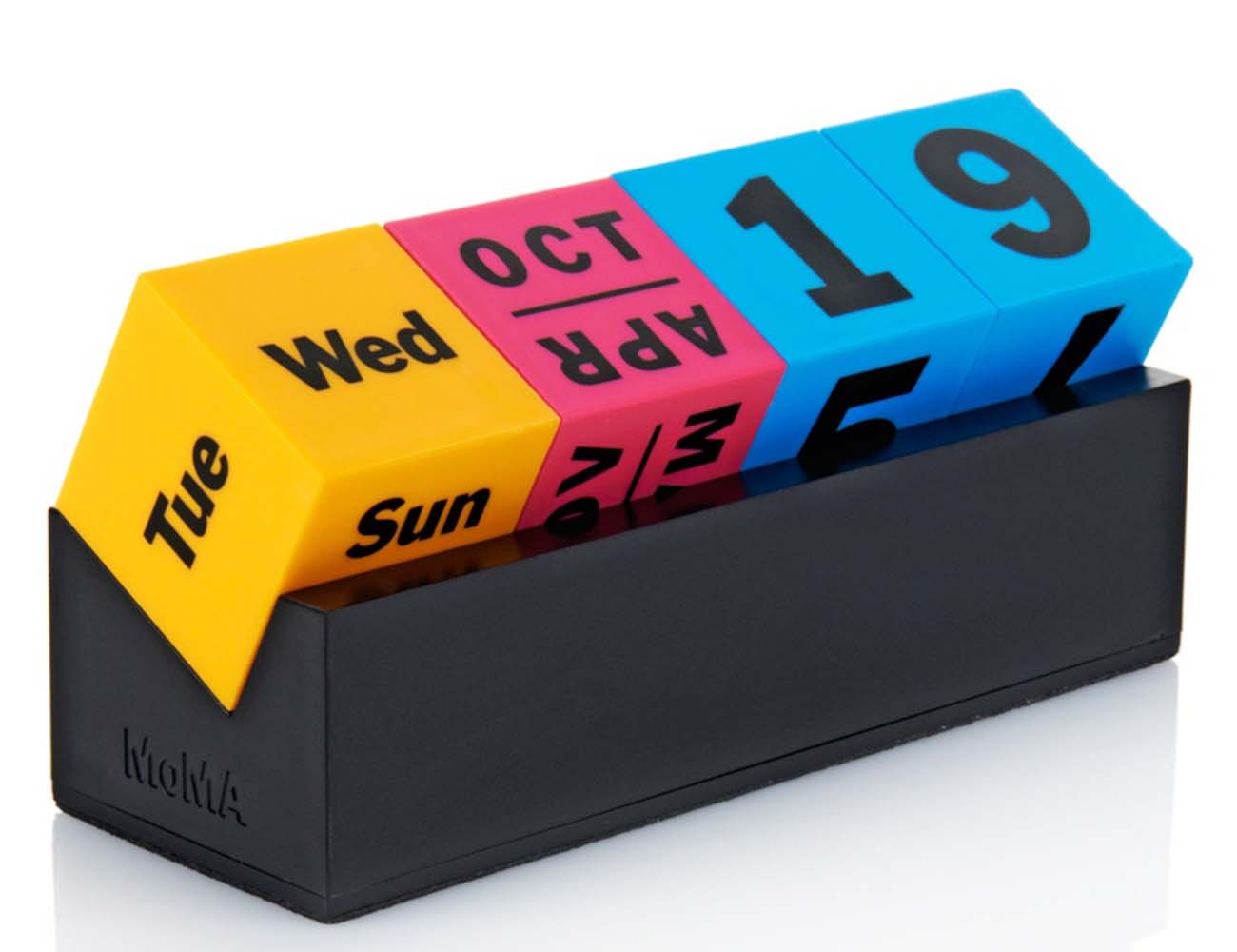 Perpetual Calendar Cube : Moma cubes perpetual calendar review the gadget flow
