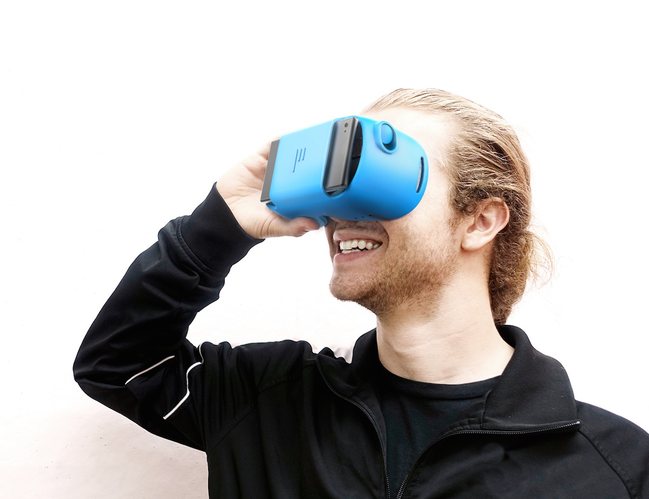 PLAY: A Virtual Reality Device For Everyone