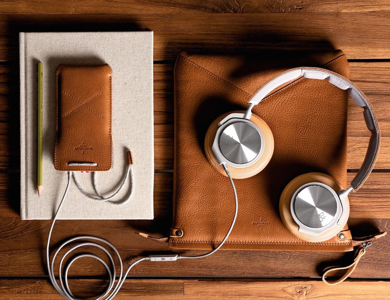 Peak Headphone Case & Stand By Hard Graft