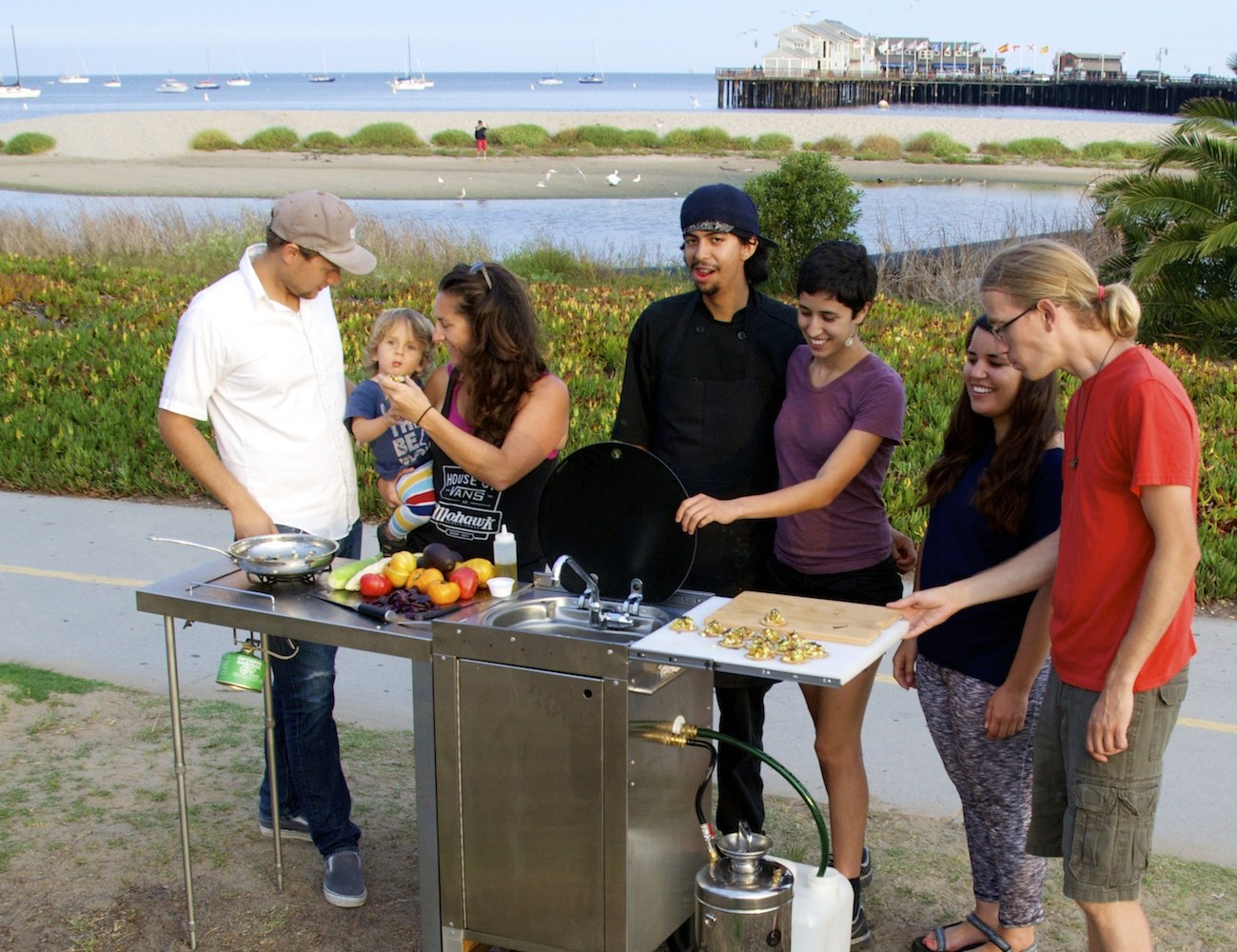 Pop Kitchen: World's First Truly Portable Kitchen loading=