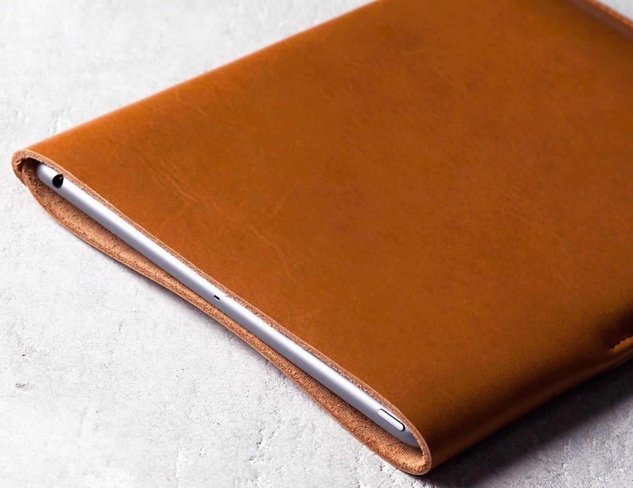 Slim Fit iPad Air Leather Sleeve (Tan)