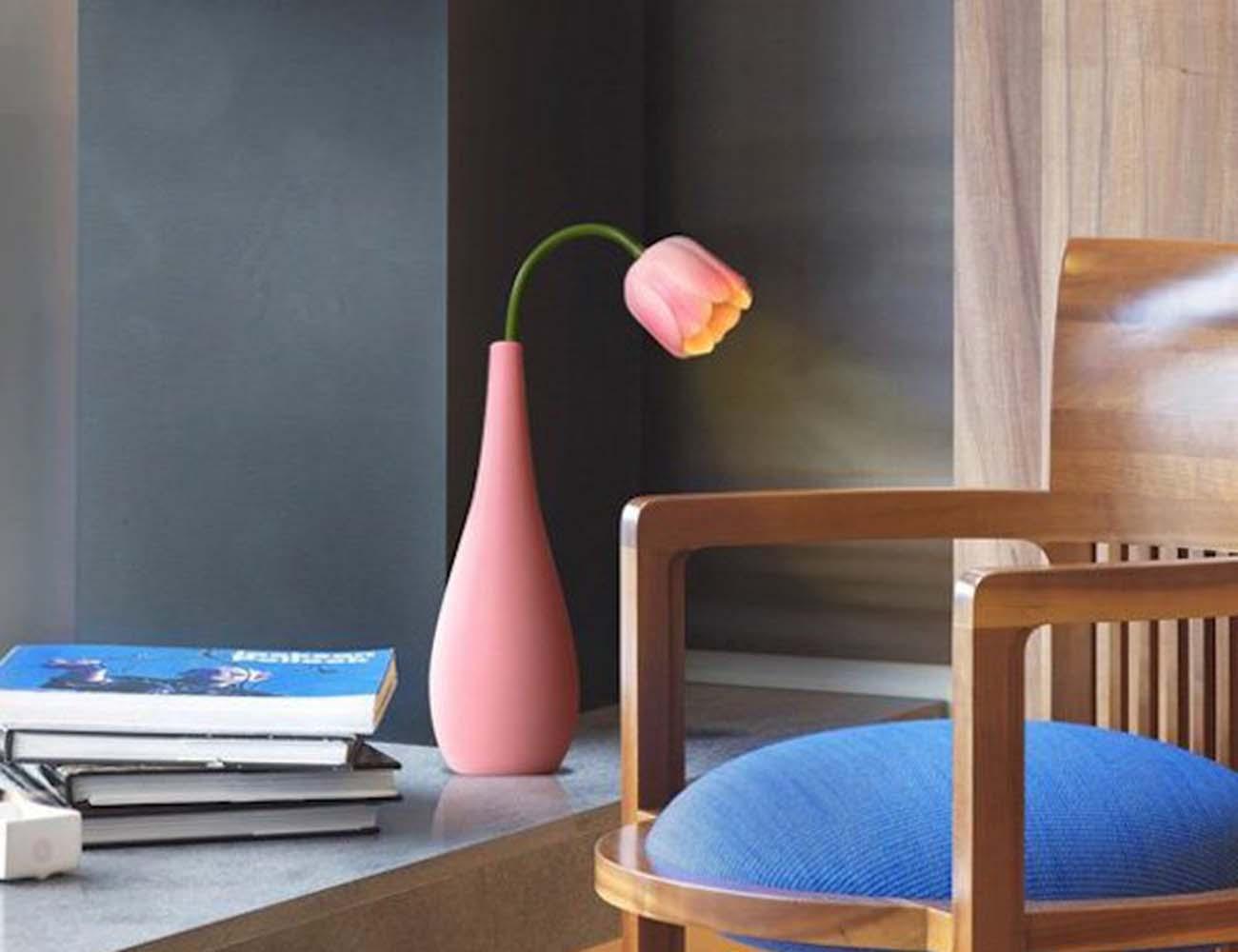 Tulip Flower Vase – Simulation LED Lamp