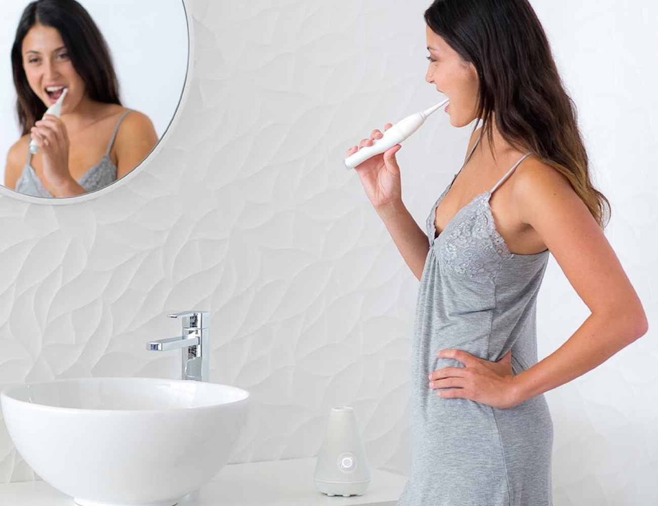 Aura Clean Ultrasonic Toothbrush System from Tao Clean