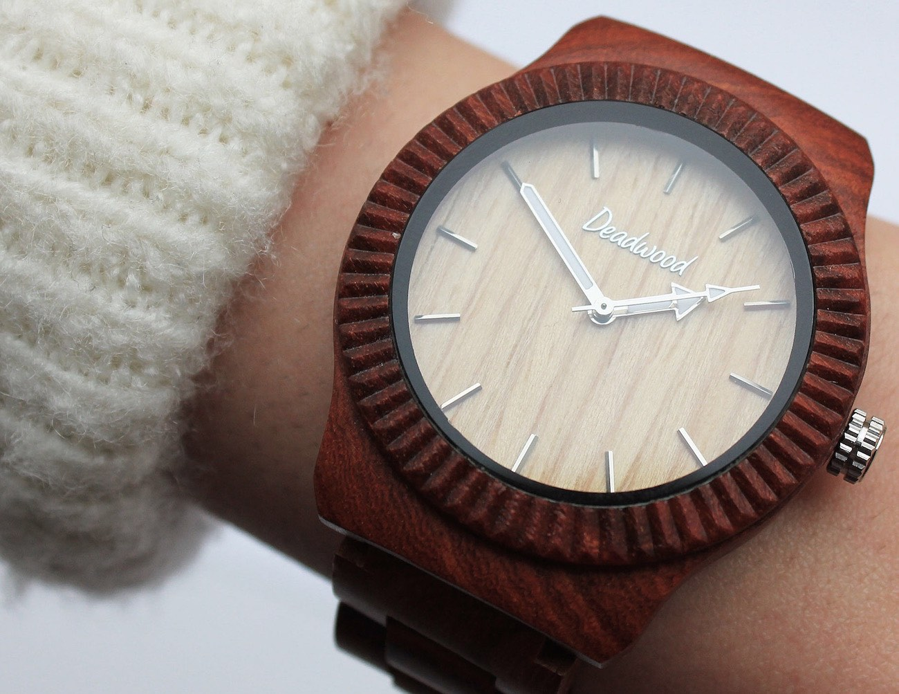 beautifully-handcrafted-natural-wooden-timepieces-03