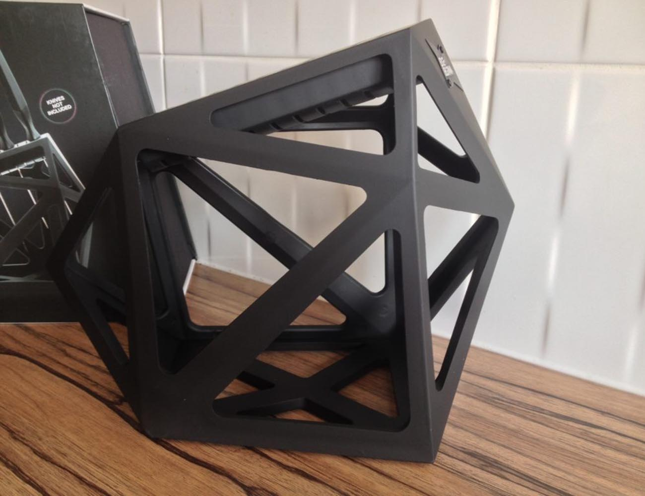 Black Diamond Knife Block – Can Fit Upto Eleven Knives
