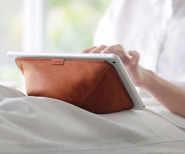 Booy: The Tablet Computer Holder That Conforms To Any Surface