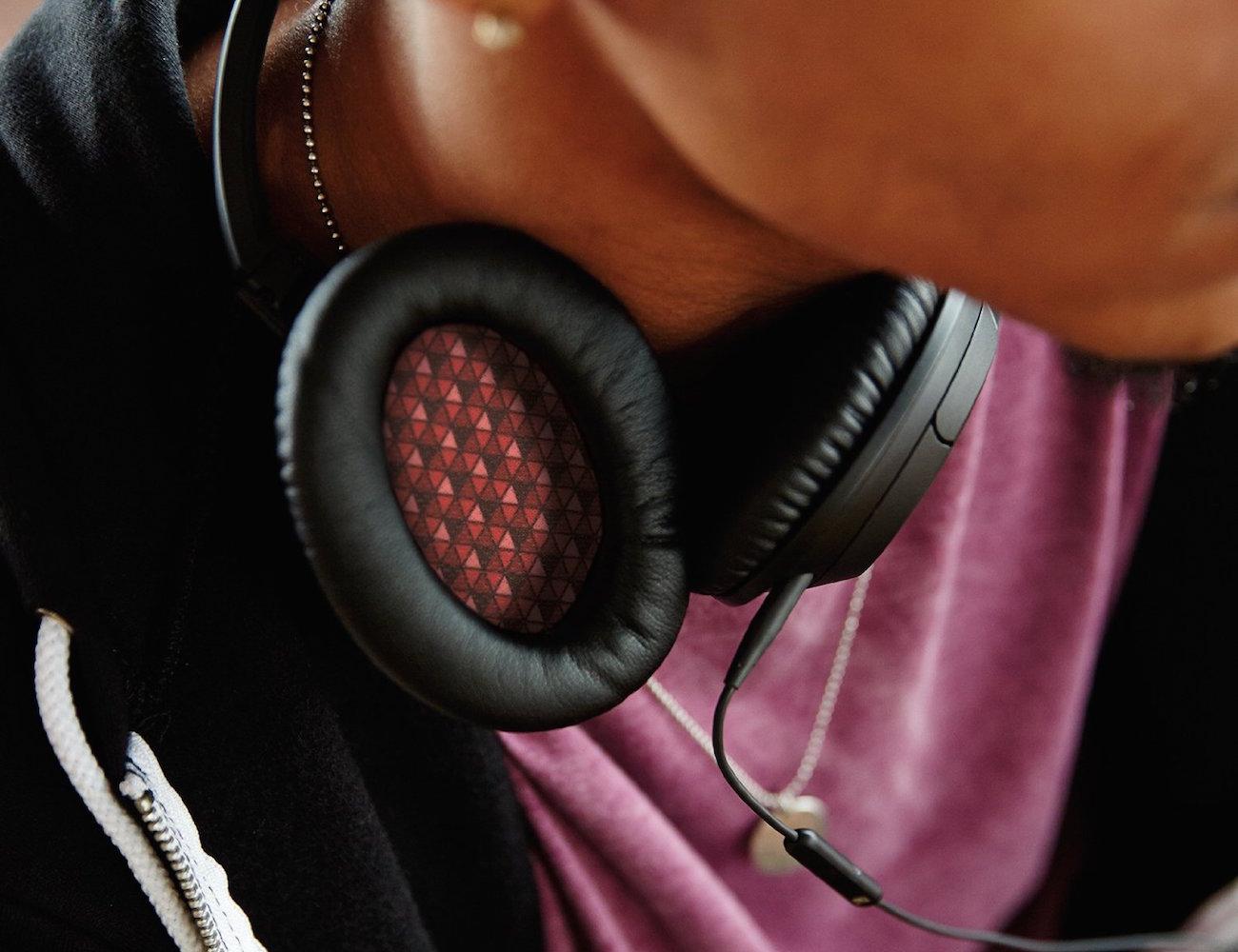 Bose SoundTrue Headphones Around-Ear Style