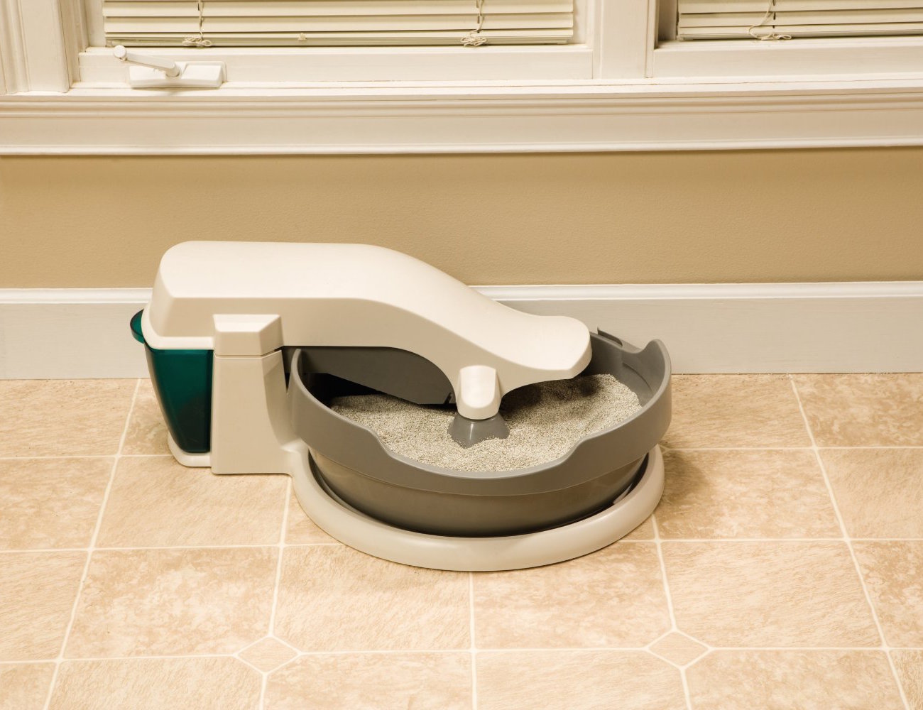 Continuous-Clean Litter Box by PetSafe