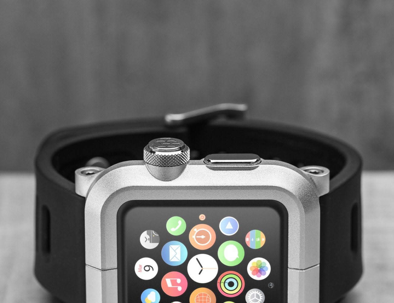 EPIK Aluminum Case and Silicone Band for Apple Watch by Lunatik