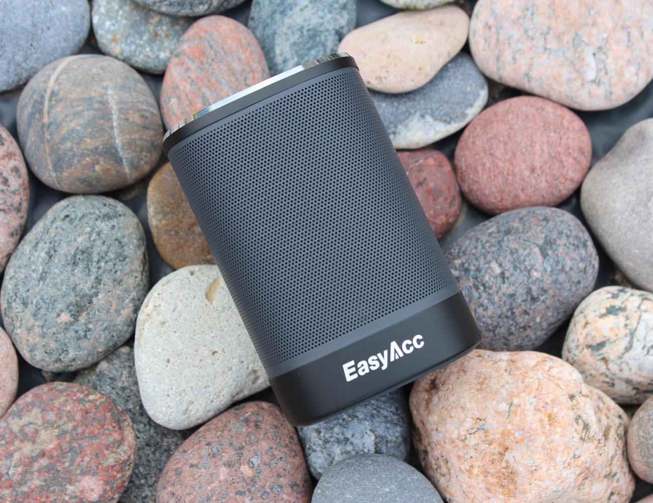 EasyAcc+DP100+Review+%E2%80%93+Awesome+Cheap+Bluetooth+Speaker