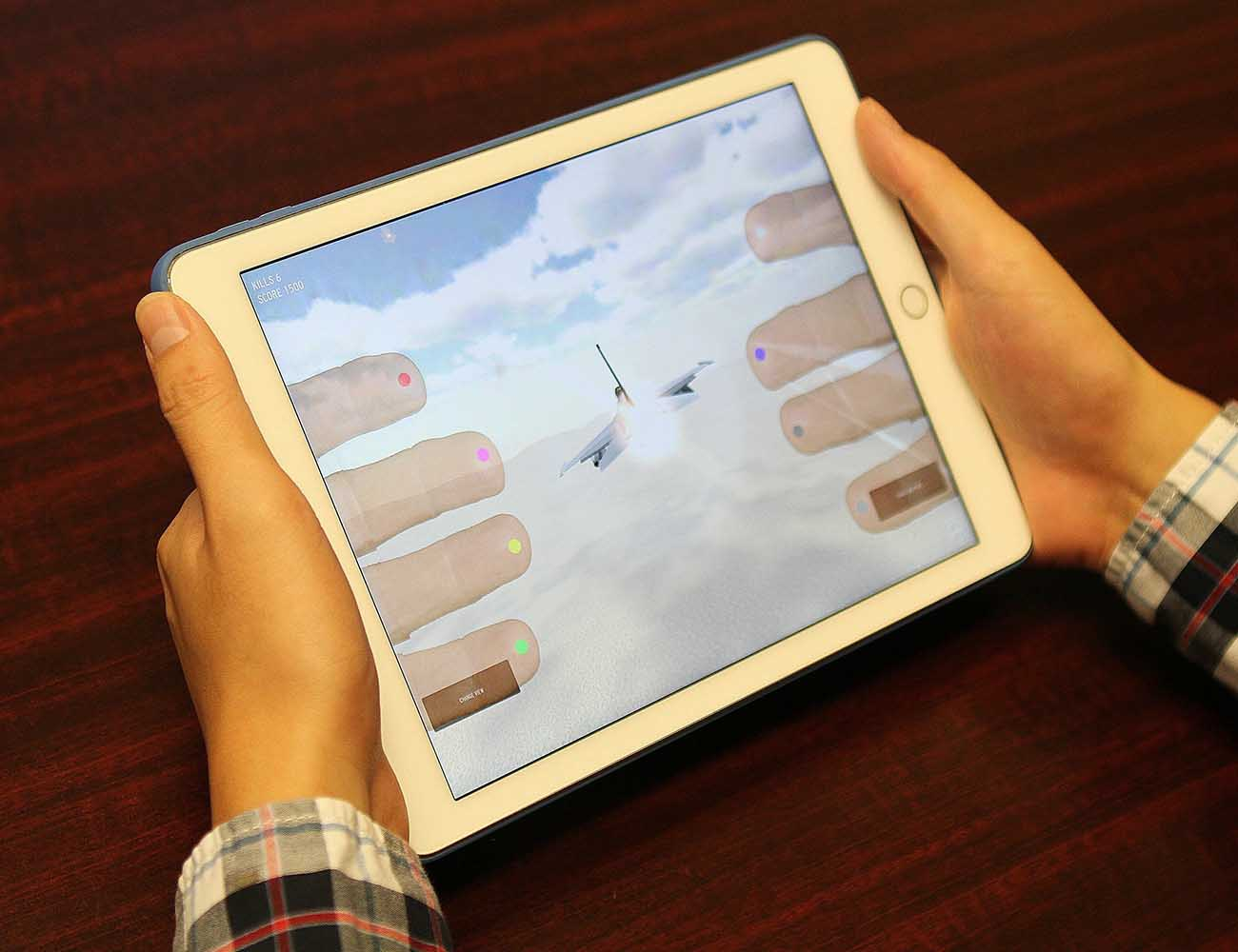 HandyCase – Makes iPhones and iPads Transparent
