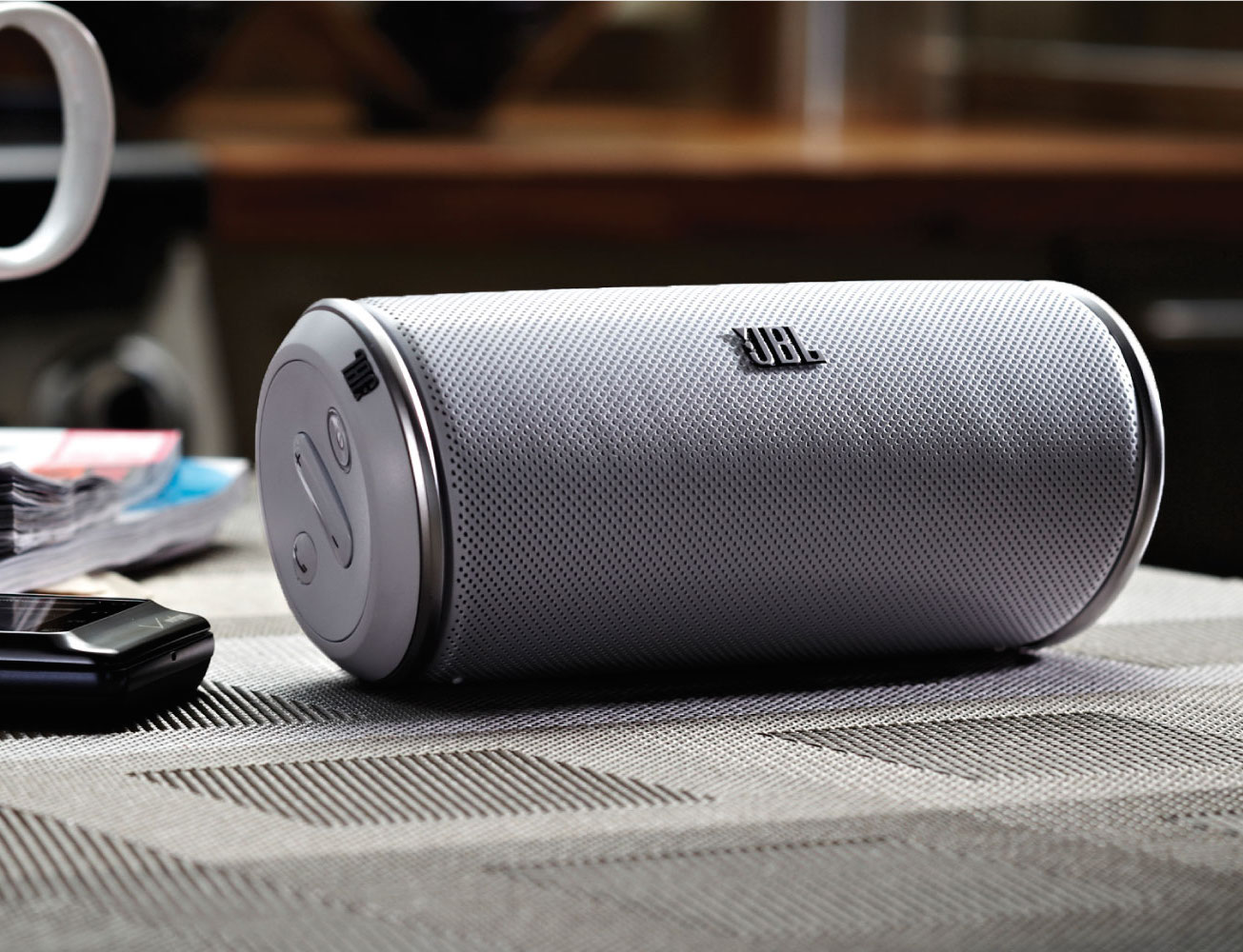 JBL Flip 3 – Splashproof Portable Bluetooth Speaker