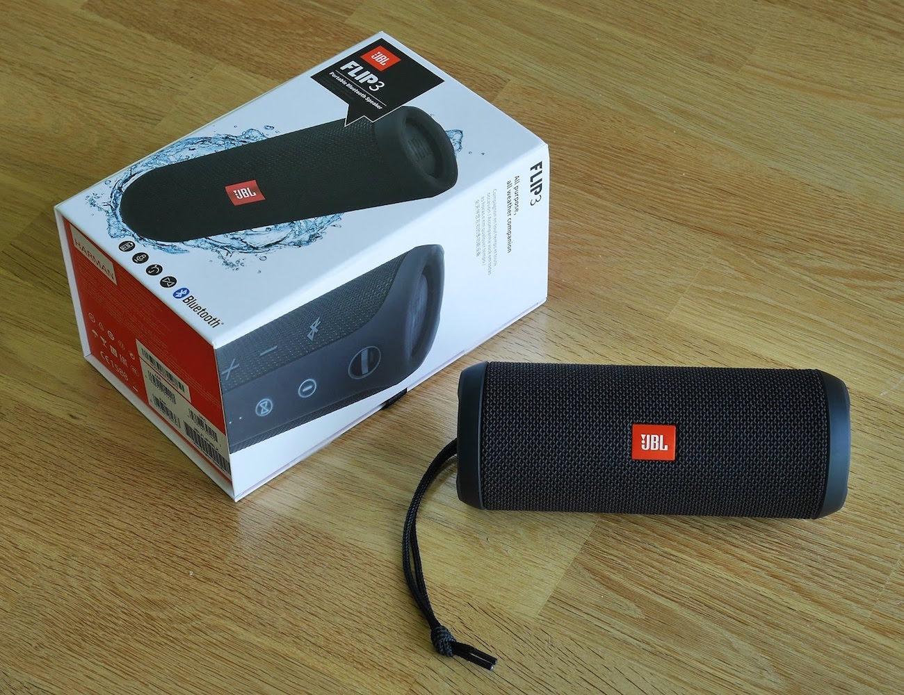 JBL Flip 3 – Splashproof Portable Bluetooth Speaker