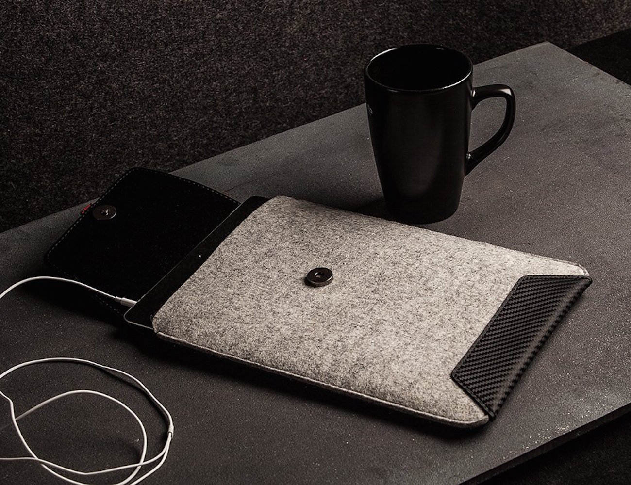 iPad Air/Mini Sleeve by ÉSTIE – 100% Handmade With Carbon Leather Weave