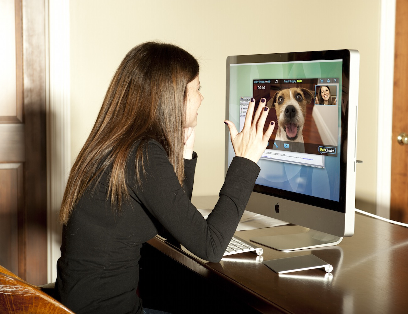 PetChatz – Greet & Treat Videophone For Your Furry Friends
