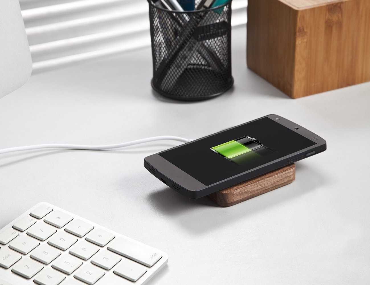 qi wireless charging solid wooden pad by wasserstein gadget flow. Black Bedroom Furniture Sets. Home Design Ideas