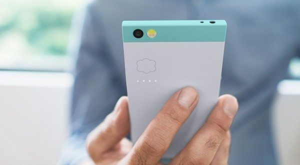 NextBit's Robin Smartphone Runs Streamlined Android with Vast Cloud Storage
