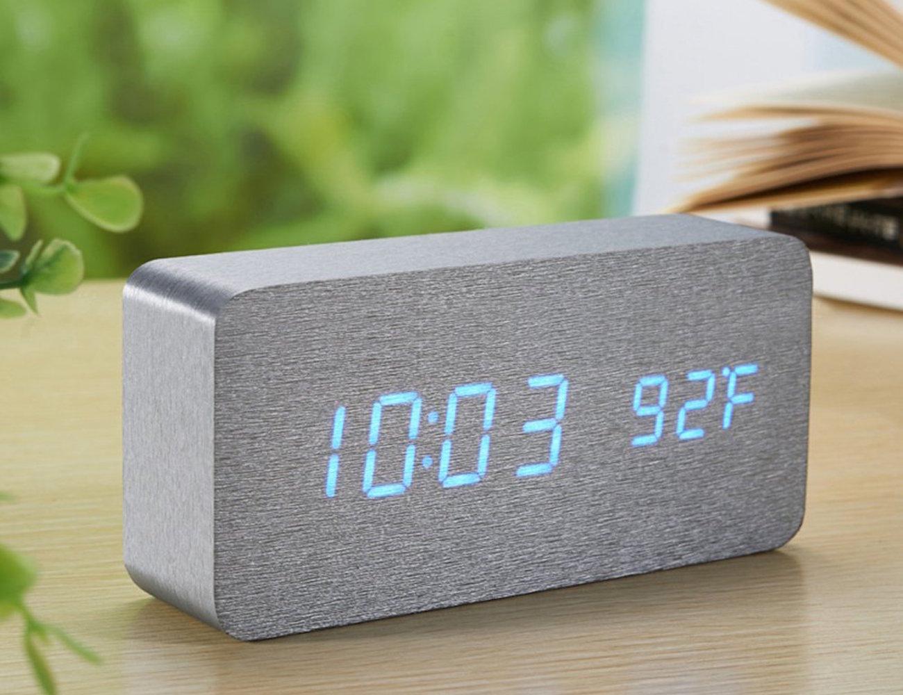 Sea Team – Wood-imitation Electronic Desk Clock
