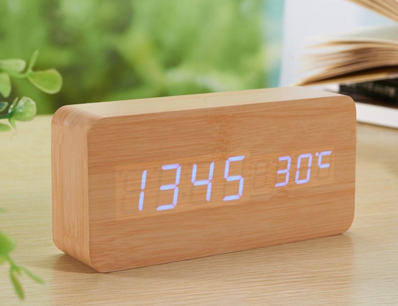 sea-team-wood-imitation-electronic-desk-clock-04