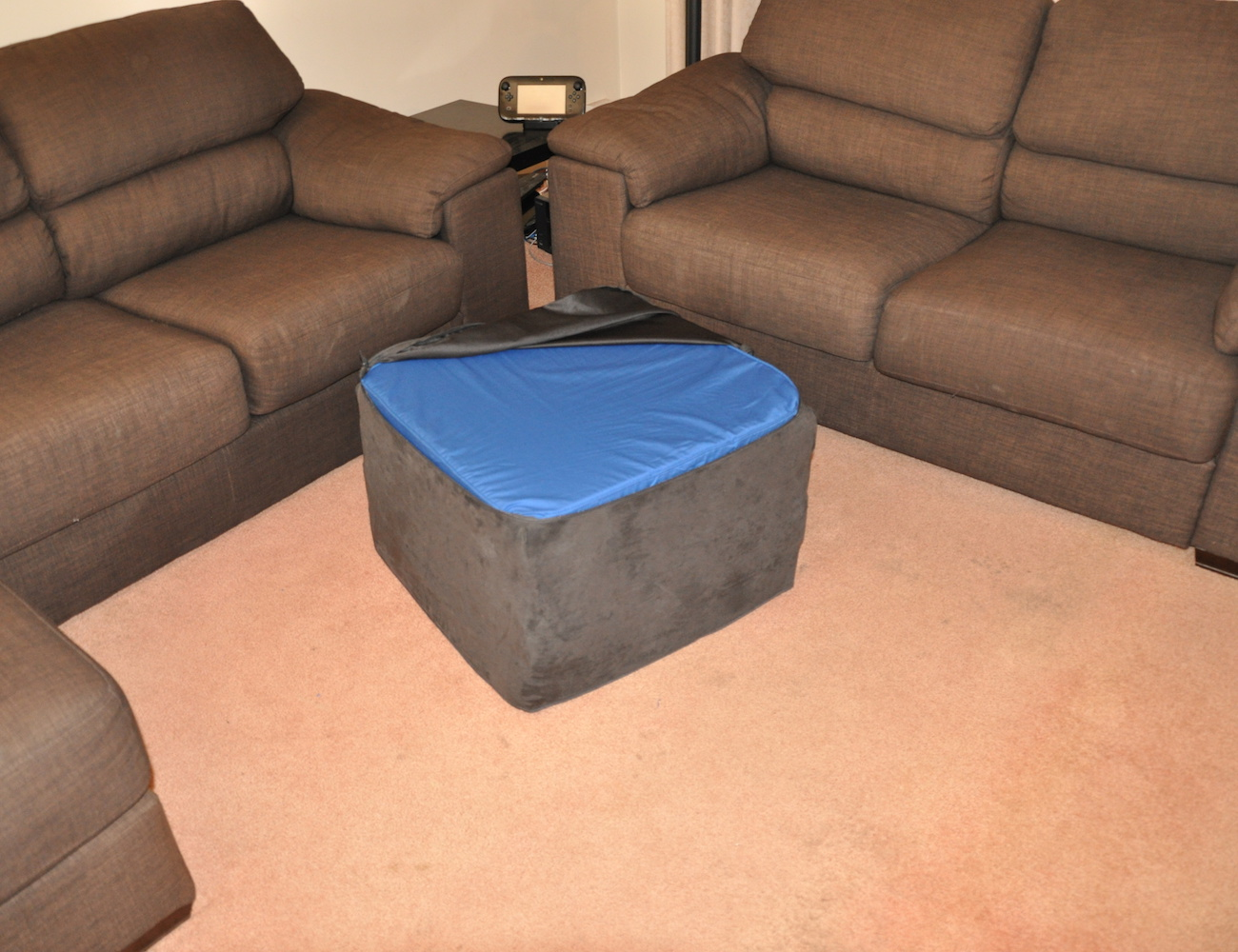 squishy-forts-pillow-fort-ottoman-02