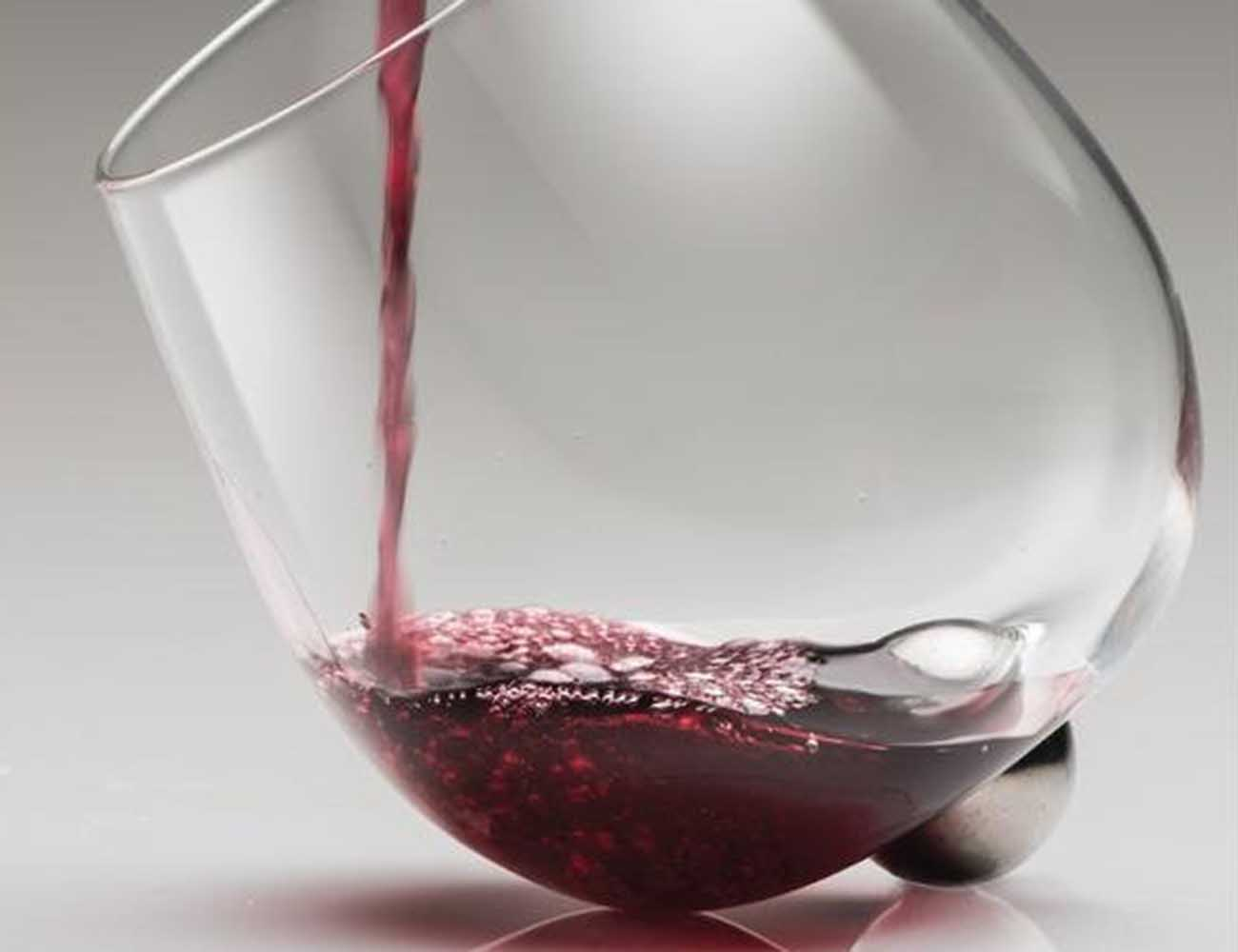 Aura Glass – The Automatic Wine Decanter