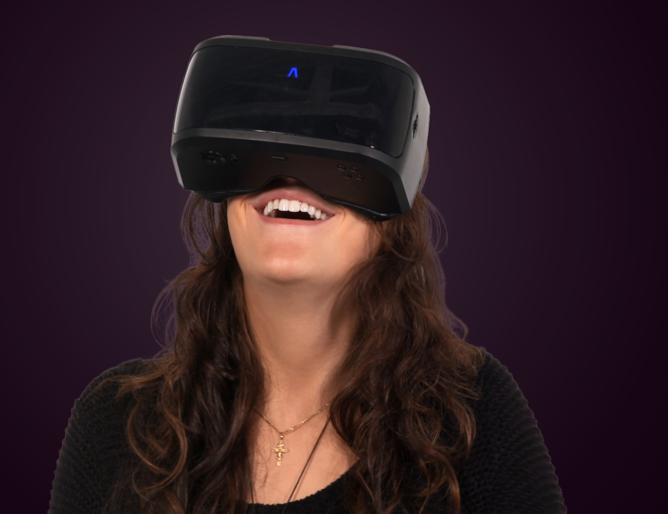 AuraVisor – Head Mounted Computer for Virtual Reality