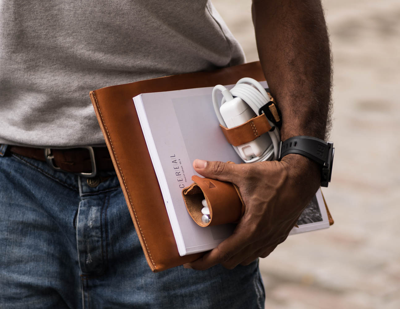 Brace - Beautiful Leather Accessories For Life On The Go » Gadget Flow