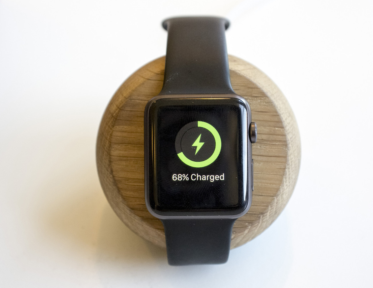 Chestnut Smartwatch Dock from ENVEO