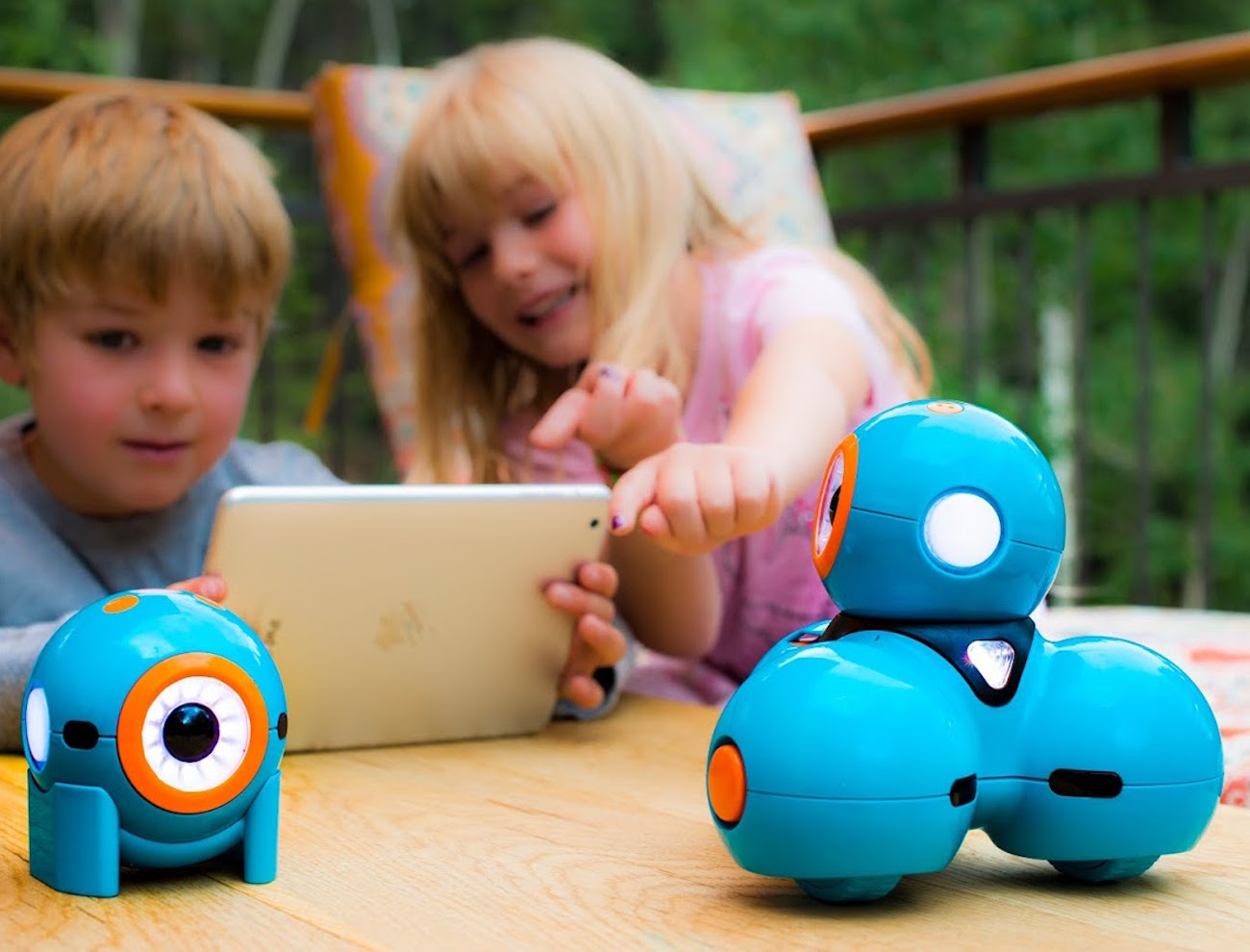 Dot – The Code-Teaching Robot by Wonder Workshop