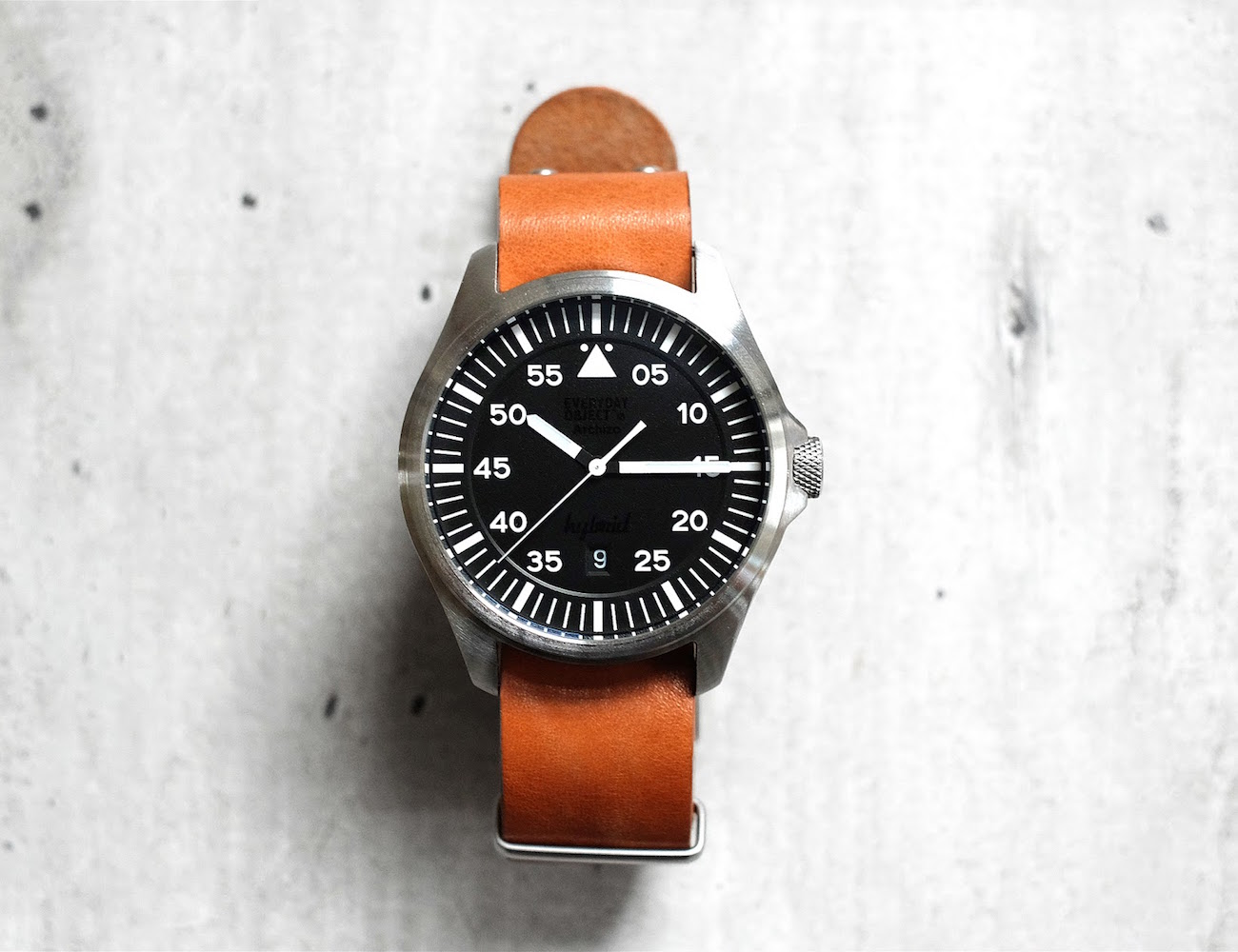 eo-2-the-pilot-watch-powered-by-you-01