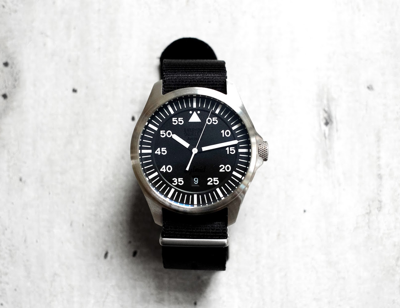 eo-2-the-pilot-watch-powered-by-you-03