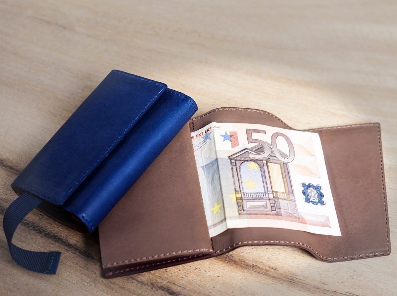 Frenchie – The World's First Speed Wallet