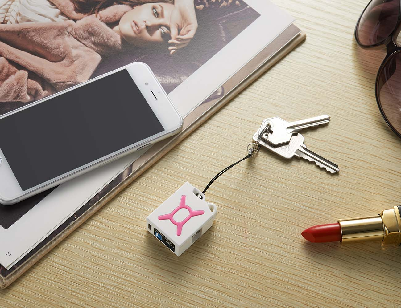 Fuel Micro Charger 2 – Emergency Charger for iPhone