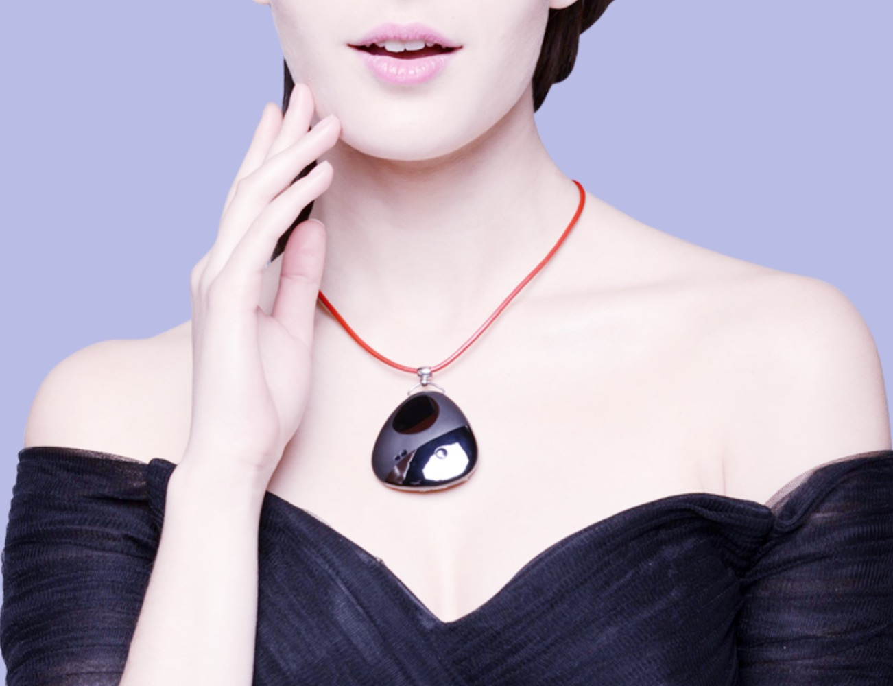 Miragii – Custom Designed Smart Necklace with Bluetooth Compatibility