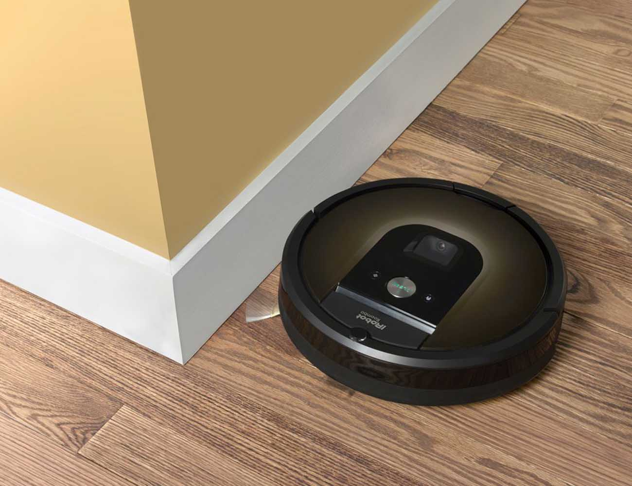 Roomba 980 Vacuum Cleaning Robot By IRobot