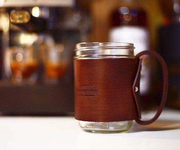 the-traveler-mug-mason-jar-hugged-in-vegetable-tanned-leather-01