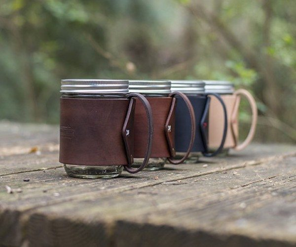 the-traveler-mug-mason-jar-hugged-in-vegetable-tanned-leather-03