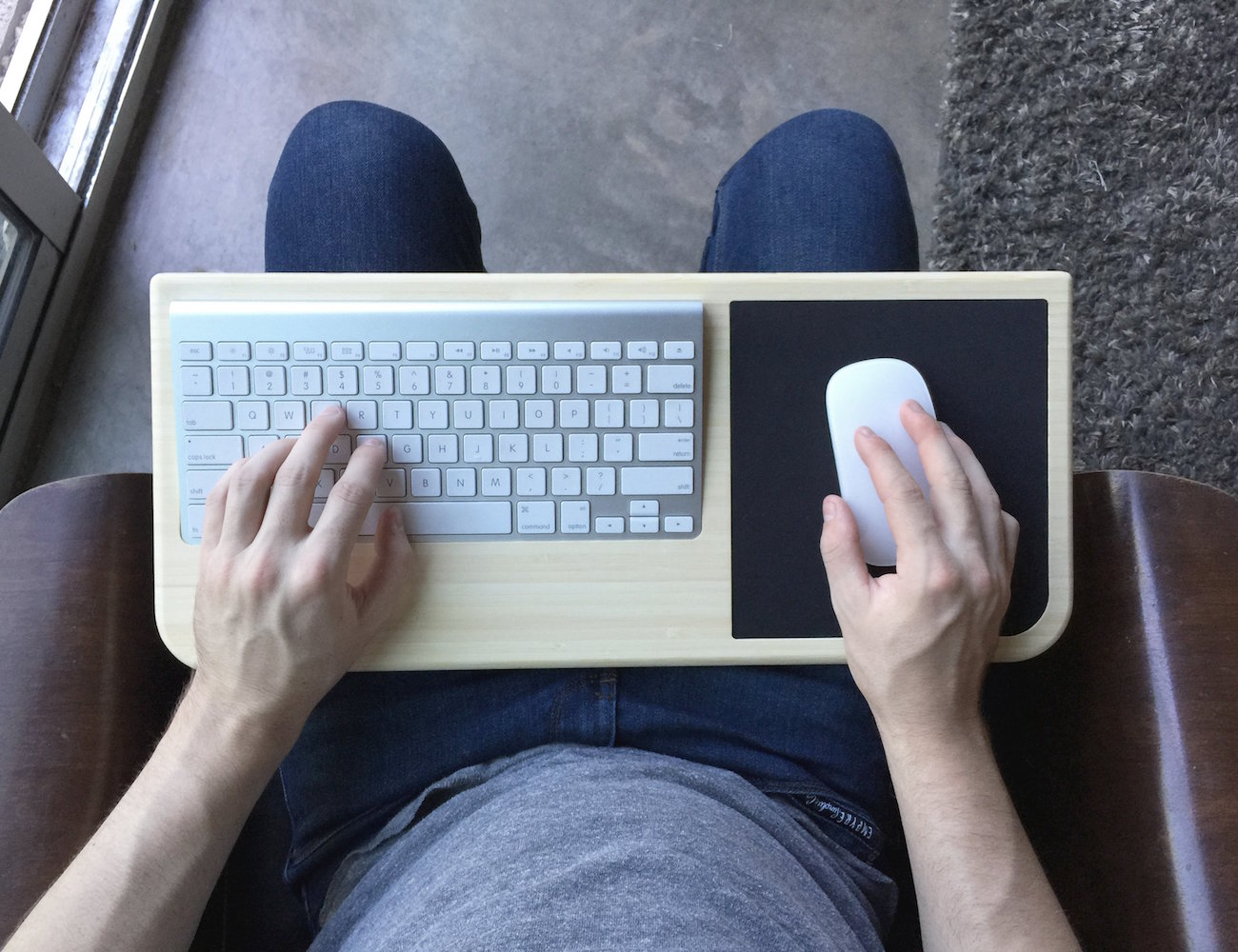 Tray Desk with Mouse Pad by iSkelter
