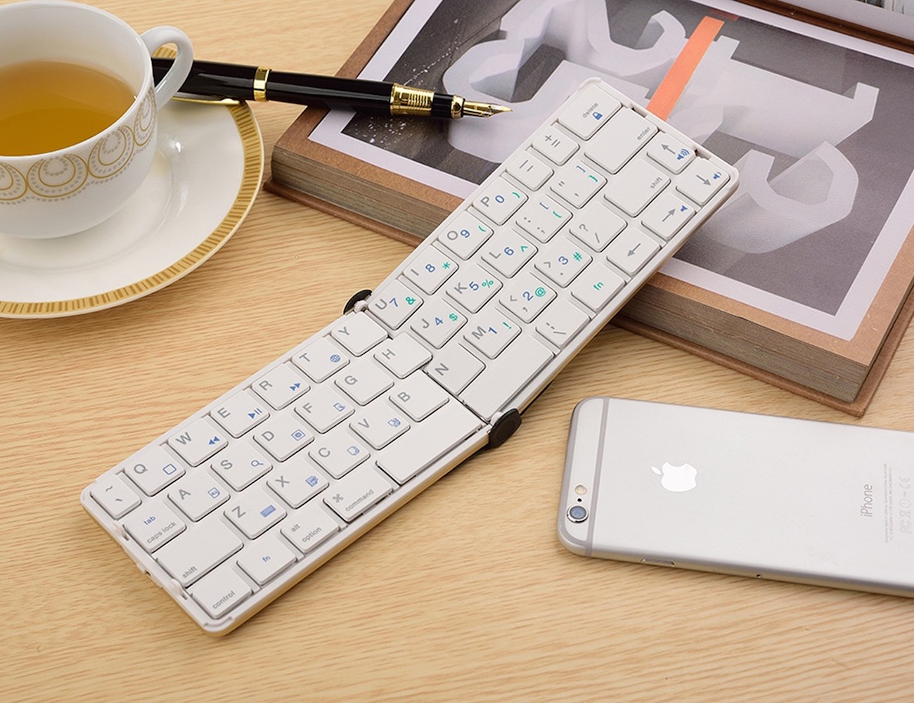 Universal Foldable Bluetooth Keyboard by iLepo