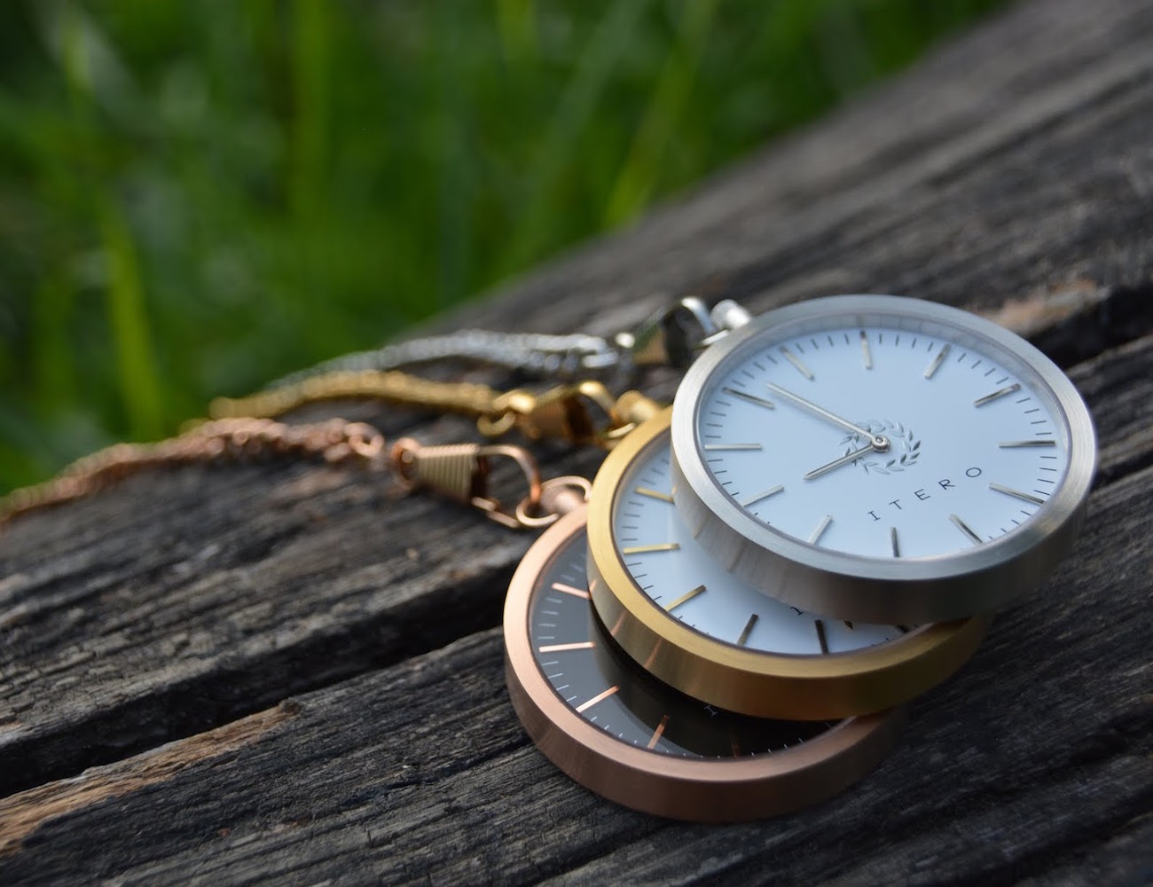 http://cdn.thegadgetflow.com/wp-content/uploads/2015/10/Utero-Pocket-Watches-Are-Back-01.jpg
