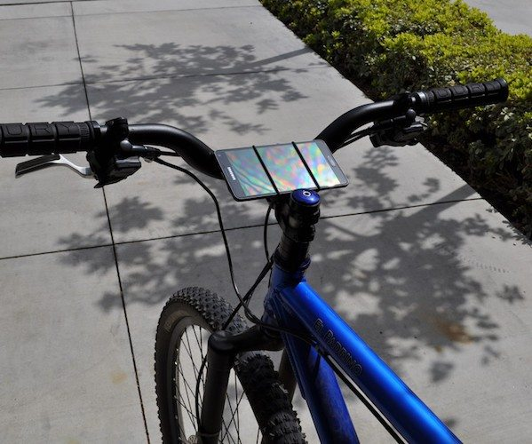 VeloStrap – The Simple Smartphone Bike Mount