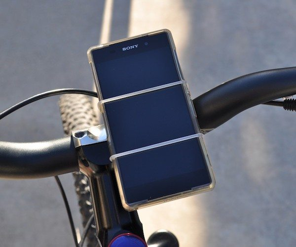 velostrap-the-simple-smartphone-bike-mount-05