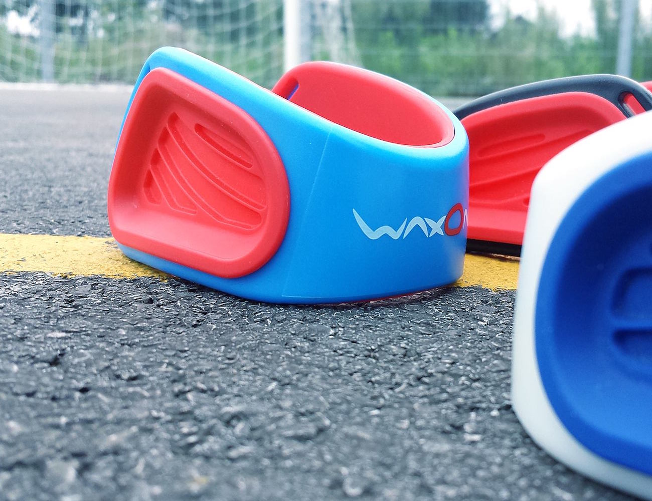 WaxOn – Easily Accessible Wax for Handball Players