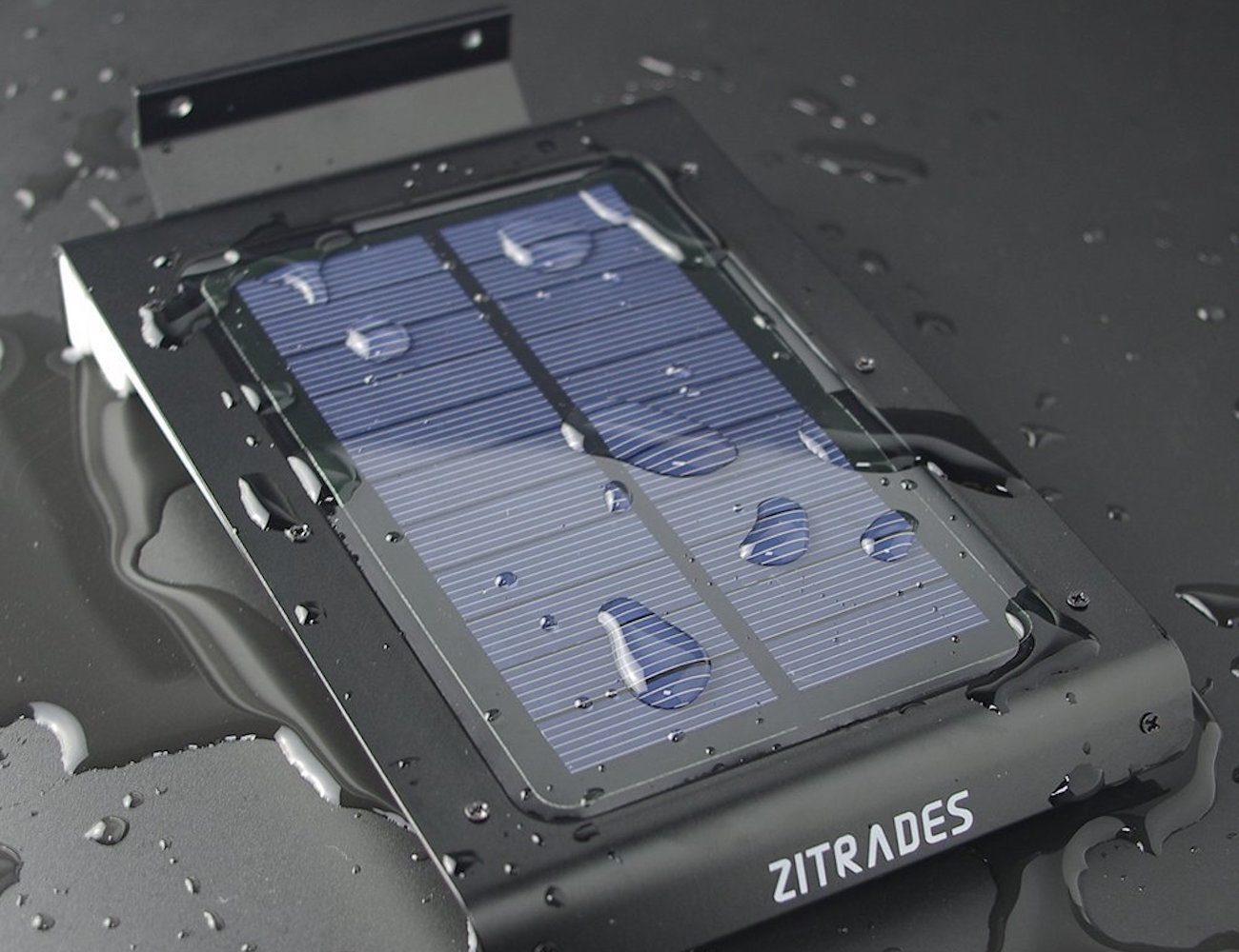 Zitrades Solar – Powered Outdoor Light with Built-In Motion Sensor