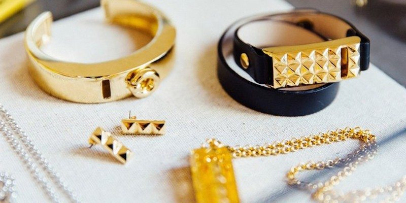 Bezels & Bytes: Fashion for your Fitbit