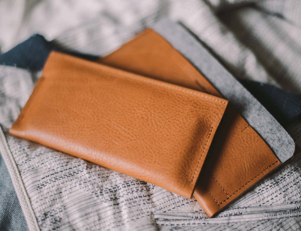 iPhone+Wallet+by+band%26%23038%3Broll+%26%238211%3B+Full+Leather+Design+With+a+Middle+Wool+Felt+Layer