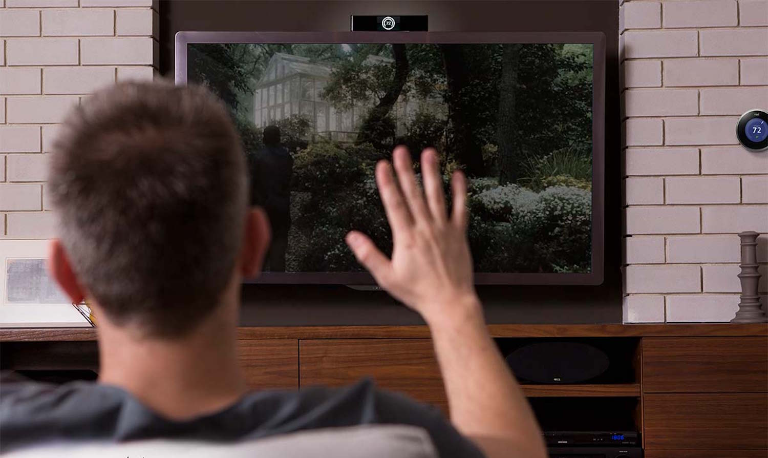 singlecue-gesture-control-for-your-home-entertainment-devices-01