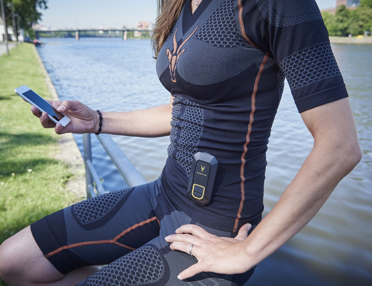 ANTELOPE Sportswear – Muscle Activating Smartsuit