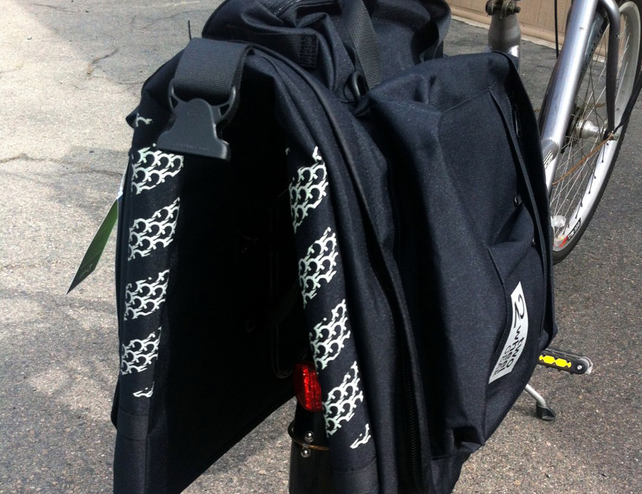 Classic 2.0 Garment Pannier by Two Wheel Gear